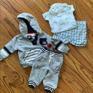 2 Outfits Boy 6 M